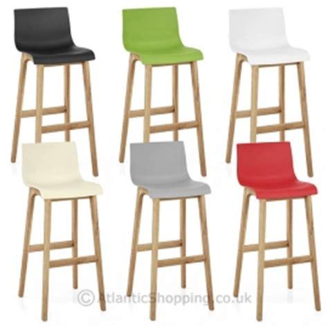 tabouret de bar colore tabourets chaise de bar monde du tabouret monde du tabouret