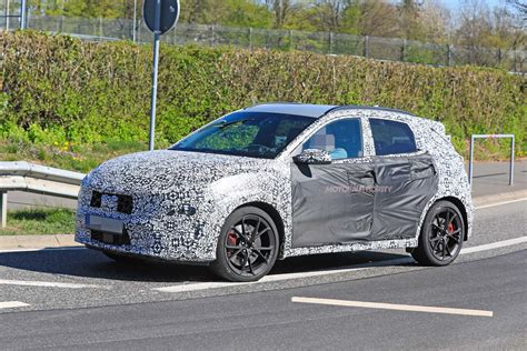 Kona n line maximizes the sporty factor with an appearance package that really stands out. 2022 Hyundai Kona N spy shots - Automobiles ...