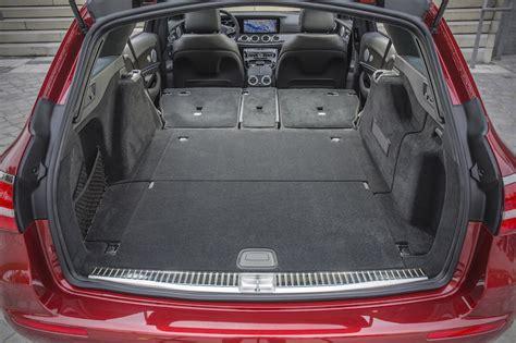 L x b x h: Verdammt gelassen unterwegs: Mercedes-Benz E 220d T-Modell Test