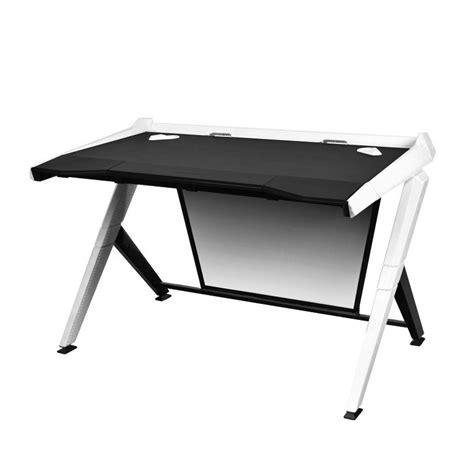 bureaux pc bureau de pc gamer dxracer noir et blanc fauteuilgamer