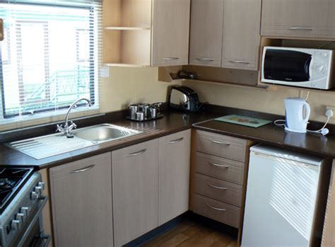 caravan kitchen cabinets sterrett s static caravans symonds yat 1990
