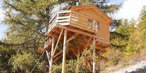 Cabane Dans Les Arbres Construction : hautes alpes habiter une cabane perch e dans un arbre un r ve r alisable d ci tv radio ~ Mglfilm.com Idées de Décoration