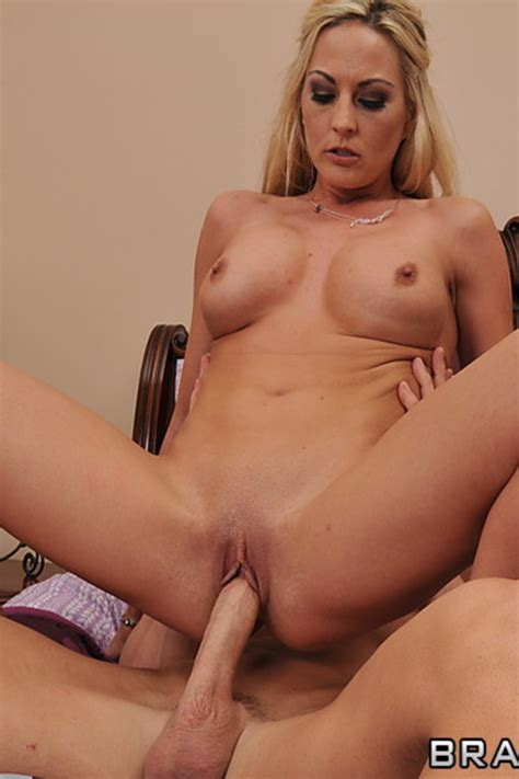 sindy lange long for her man s baloney busty vixen