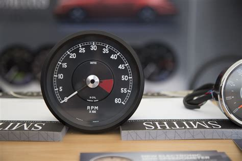 New Smiths Digital Tachometer For The Classic Jaguar E-type