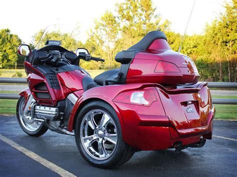 buy  honda goldwing trike touring   motos
