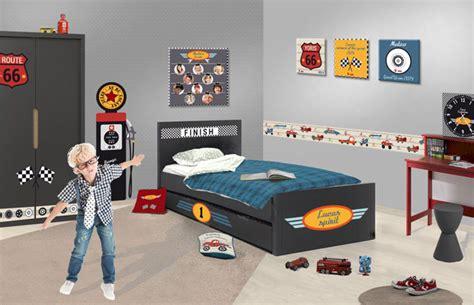 deco chambre voiture déco chambre thème voiture pour garçon univers de la route 66