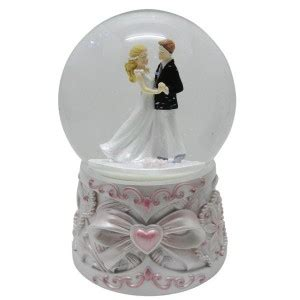 gifts kingdom snow globes