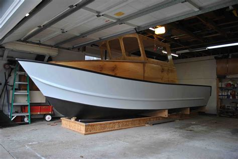 Boat Building Fiberglass Resin by Epoxy Vs Polyester Resin For Boat Building The Hull
