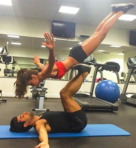 acro yoga trening dla dwojga elle sport trendy wiosna lato  moda uroda modne