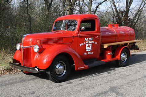 1940 Ford 34 Ton Tanker Truck 116110