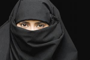 Islamic State are forcing women with attractive eyes to