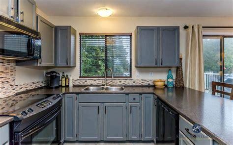 oak kitchen cabinets painted  benjamin moore chelsea