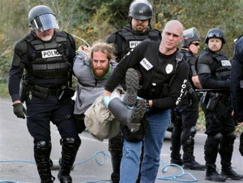 Right to Resist Unlawful Arrest - Musicians4Freedom