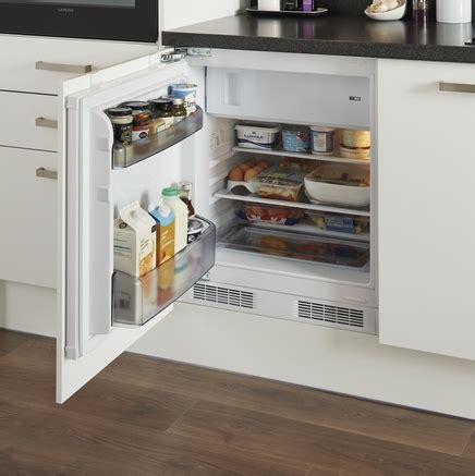 Lamona Integrated Fridge  Howdens Joinery