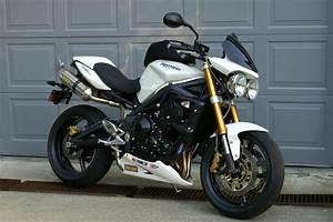 Street Triple 675 : 2009 triumph street triple moto zombdrive com ~ Medecine-chirurgie-esthetiques.com Avis de Voitures