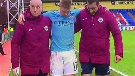 Kevin De Bruyne going back and the change room   Crystal ...