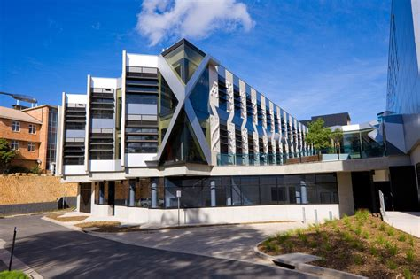 College University: Australian National University College ...