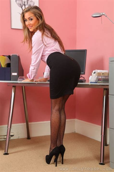 Best Secretaries Images On Pinterest Beautiful Legs High Heel And Tights