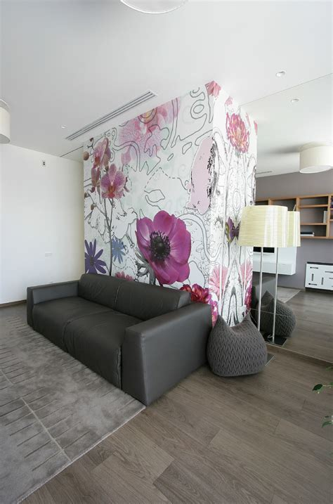 Floral wallpaper   Interior Design Ideas.