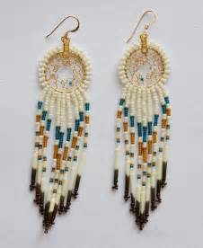 peacock feather earrings 20 dazzling beaded earrings ideas sheideas