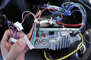 How To Fix Car Stereo That Turns On And Off Repeatedly