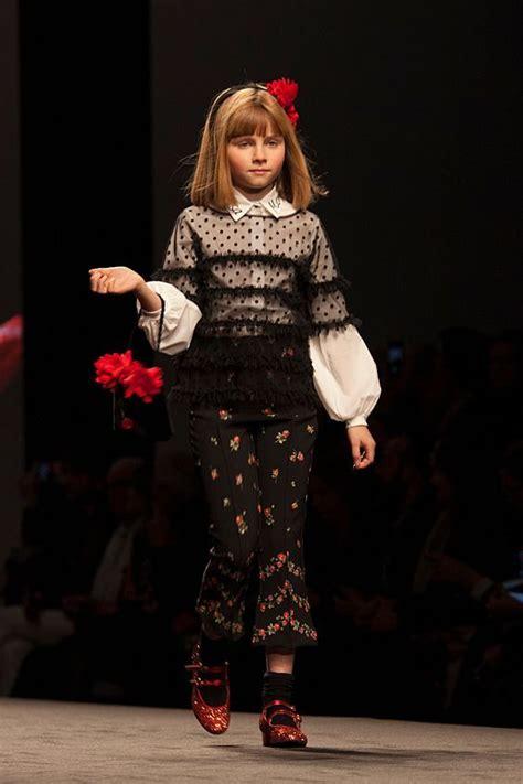 Тренды и тенденциии молодежной моды осеньзима 2018 в одежде и обуви модные стили фото