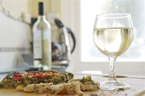 quel vin blanc pour cuisiner vin blanc sec pour cuisiner vin blanc sec sevebelle 3x25cl
