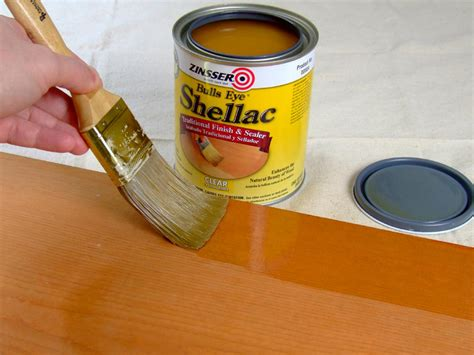 whats  difference  polyurethane varnish