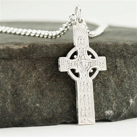 The celtic cross symbol and its meaning: The History, Meaning and Symbolism of the Irish Celtic Cross