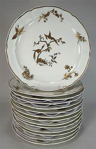 Igavel Auctions  Bernardaud Limoges Porcelain Partial Table Svc   Reine Elizabeth Pattern L3bfe