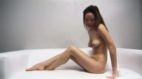 Asian Amateur Takes Off Sexy Lingerie Eporner