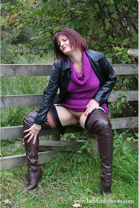 Boot fetish exhibitionist posing outdoors in brown thigh boots - Pichunter