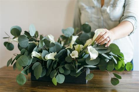 calla lily table l how to diy a modern calla lily table centerpiece a