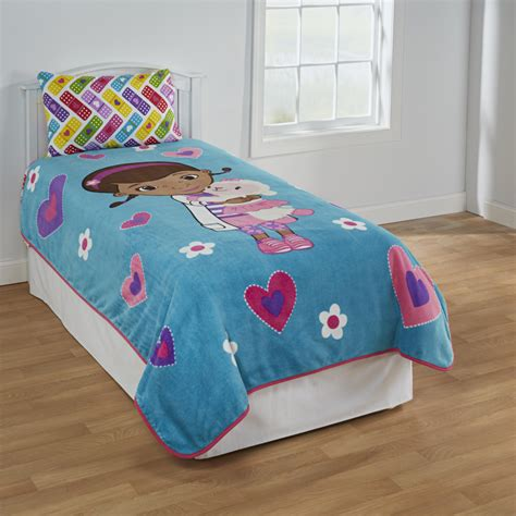 Doc Mcstuffins Toddler Bedding by Doc Mcstuffins Bedding Totally Totally Bedrooms