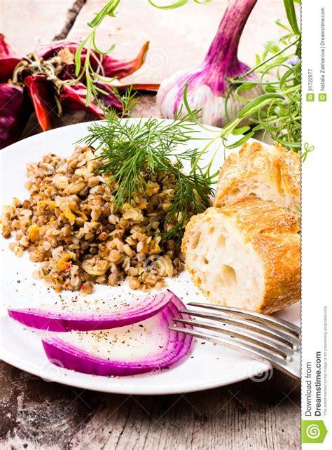 herbes cuisine cuisine russe gruau de sarrasin bresd oignon et
