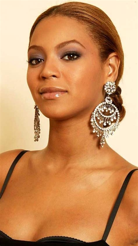 Beyonce iPhone Wallpapers (12 images) - WallpaperBoat