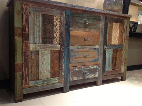 reclaimed wood bedroom set 25 best ideas about reclaimed wood dresser on pinterest 16947 | 63654b641c303e5ab7fe7b71c8ae86b7 reclaimed wood dresser rustic furniture