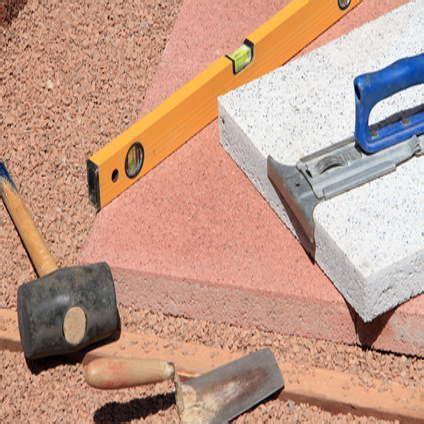 unkrautvlies verlegen anleitung wasserleitung im garten verlegen granitplatte terrasse