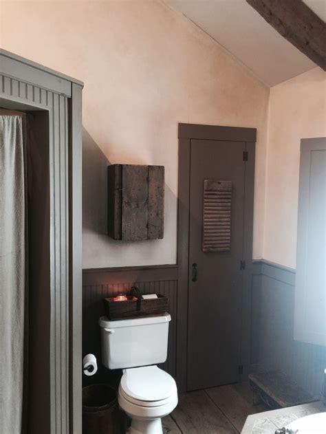 Diy Primitive Bathroom Ideas by 1000 Ideas About Primitive Bathrooms On