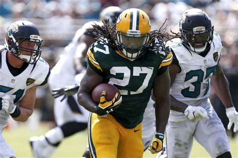 seahawks  sign  pro bowl rb eddie lacy houston