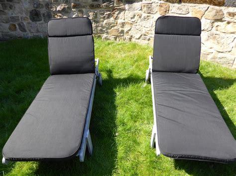coussin pour chaise de jardin meubles de jardin coussin lot de 2 coussin noir pour le
