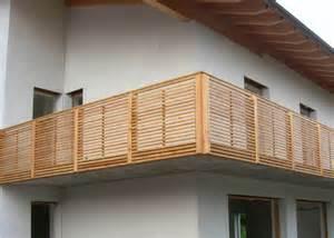 gemã se auf balkon holz design sevilla leeb balkone und zäune