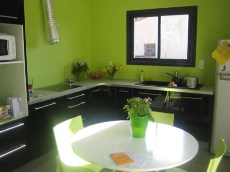 cuisine mur vert pomme cuisine mur vert pomme dootdadoo com idées de