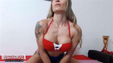 Muscle Girl Webcam Flex