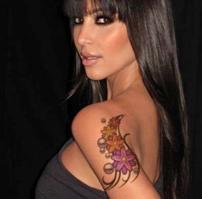 tatuaggio fiori sulla spalla tatuaggi fiori foto bellezza pourfemme