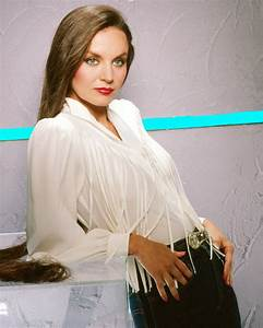 Crystal Gayle Striking Glamour Pose With Long Flowing Hair ...