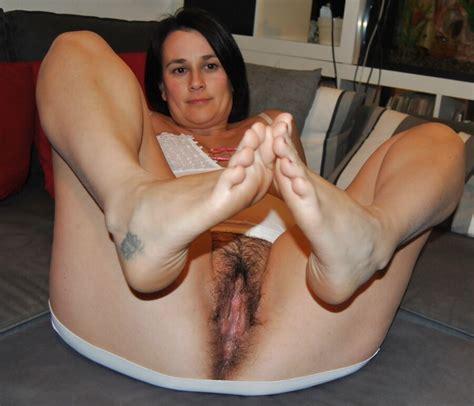 Italian Busty Milf Paola Spreading   Mature Porn Photo