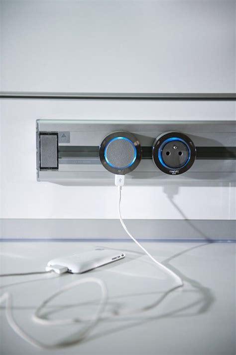 multiprise escamotable cuisine 17 meilleures idées à propos de multiprise sur gadget cacher les cordons du câble