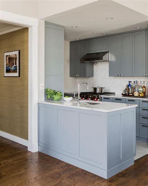 kitchen peninsula cabinets gray kitchen kitchens shaker cabinets 2432