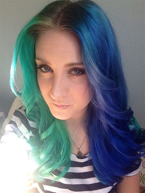 Half Green Half Blue Dyed Hair Color Crazy In 2019